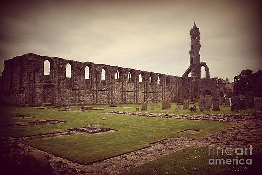St Andrews Cathedral by Miryam  UrZa