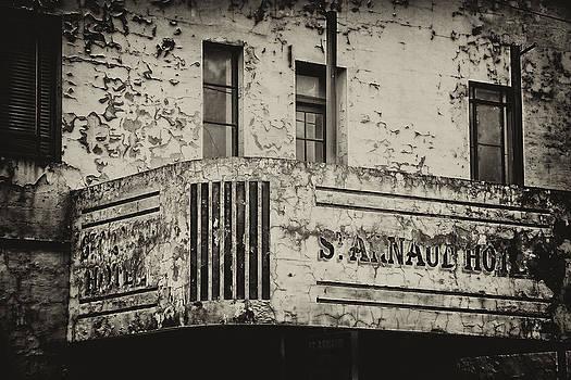 St Arnaud Hotel by John Monteath
