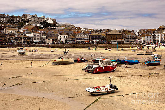 St Ives harbor at low tide by Anthony Morgan