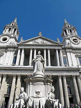 St. Paul's by Heidi Pence