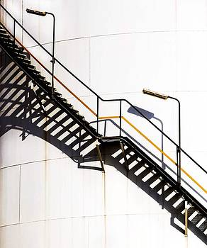Stair case by Azad Pirayandeh