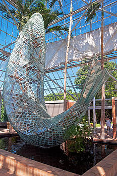 Standing Glass Fish Sculpture by Lonnie Paulson