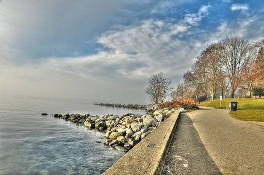 Stanley Park Seawall by Doug Farmer