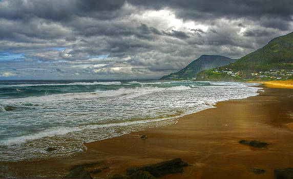 Stanwell Park Revisited by Terry Everson