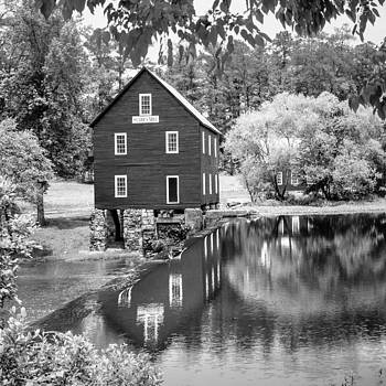 Starr's Mill by Robert Hainer