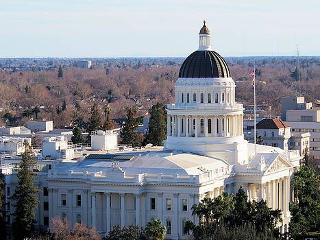 State Capitol of California by Bobby Miranda