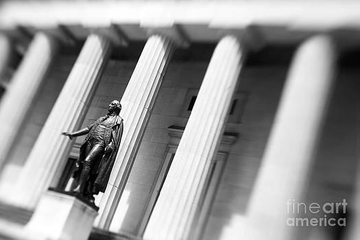 Statue of George Washington by Tony Cordoza