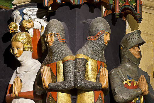 Charles Lupica - Statue of Knights and Lady praying.
