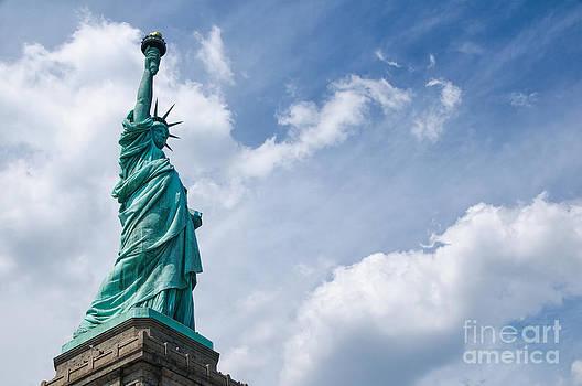 Oscar Gutierrez - Statue of Liberty 1