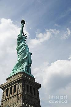 Oscar Gutierrez - Statue of Liberty 2