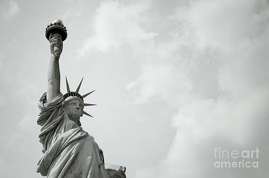 Oscar Gutierrez - Statue of Liberty 4