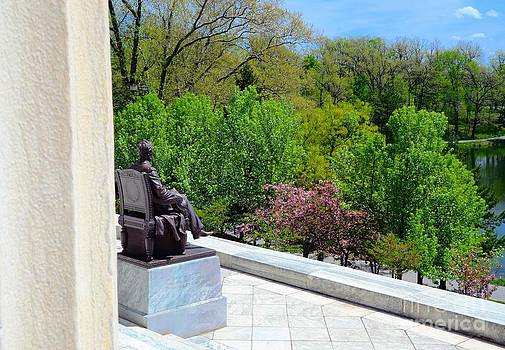 Statue Of President Lincoln by Kathleen Struckle