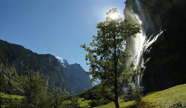 Staubbachfall Lauterbrunnen by Erik Tanghe