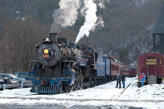 Steam Locomotive 425 by Mark Van Scyoc