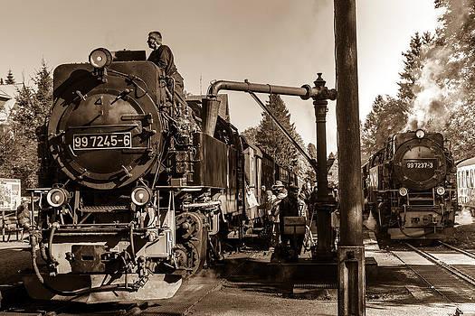Steam Train  by Maik Tondeur