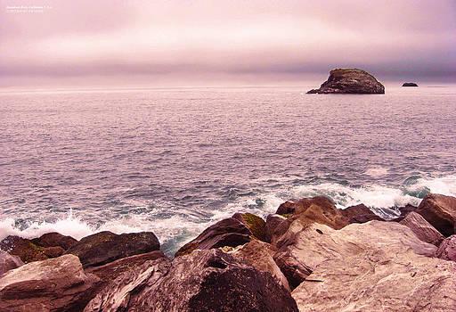 Steamboat Rock_02 California by Rafael Escalios