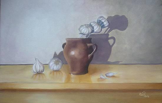 Still life with garlic by Beata Rosslerova