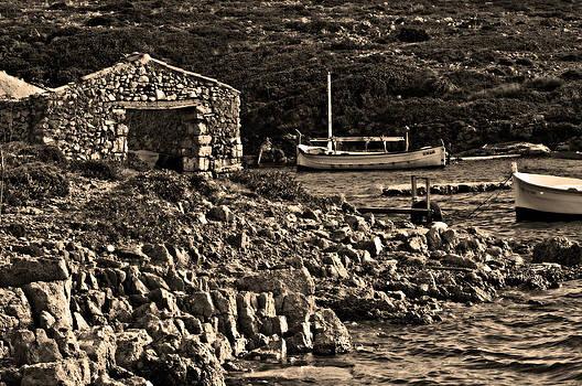 Pedro Cardona Llambias - Roman port of Sa Nitja in Minorca - Stone and sea sephia version