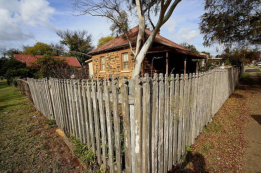 Stone cottage Gulgong by Ian  Ramsay