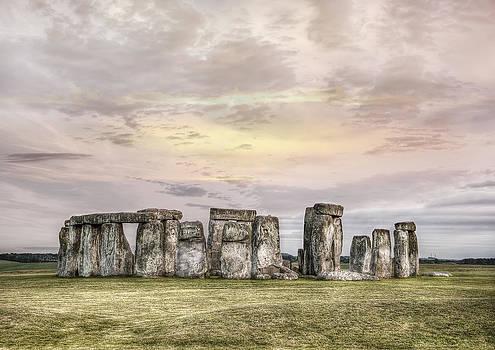 Stonehenge  by Gouzel -