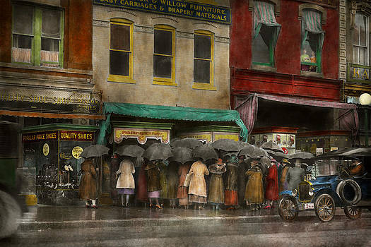 Mike Savad - Store - Big sale today - 1922
