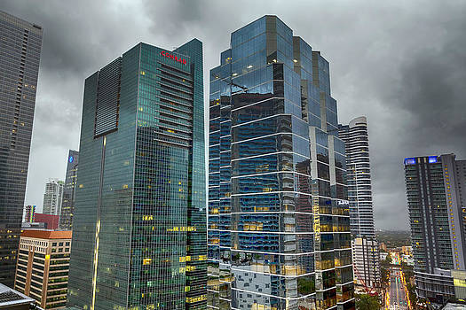 Lynn Palmer - Storm Over Miami
