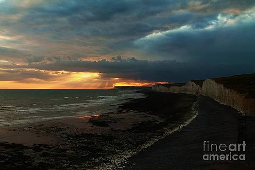 Stormy Sunset by Tom Hard