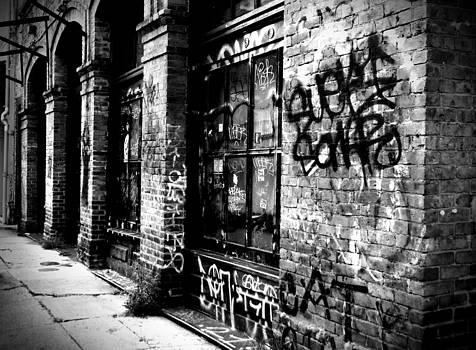 Richelle Munzon - Street Graffiti