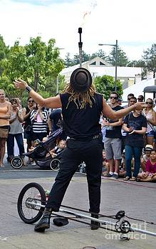 Street performer 02 by Bobby Mandal