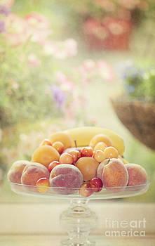 Susan Gary - Summer Fruits
