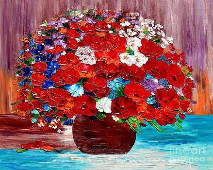 Summer vase by Mariana Stauffer