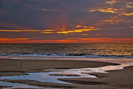 Sun Ray Sunrise by Francis Trudeau