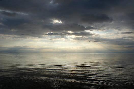 Gynt   - sun rays at sunset