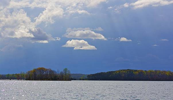 Jennifer Lamanca Kaufman - Sun rays on Smith Mt. Lake