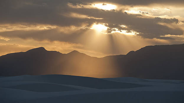 Dusty Rays by Detlev Schwabe