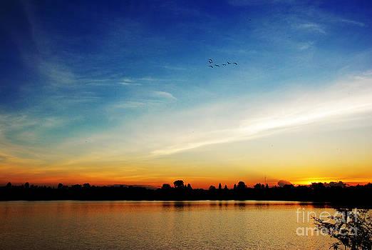 Sun set in the river by Jeng Suntorn niamwhan