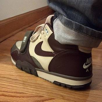 Sunday Sneaks. #todayskicks by Kevin Lawton
