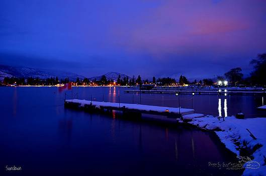 Guy Hoffman - Sundown - The Blue Hour at Skaha Lake