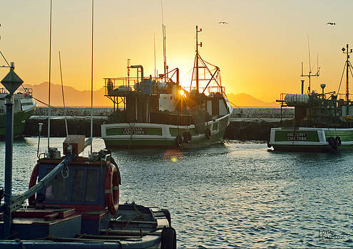 Sunrise at Kak Bay by Tom Hudson