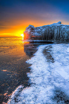 Sunrise Chicago Lake Michigan 1-30-14 03 by Michael  Bennett