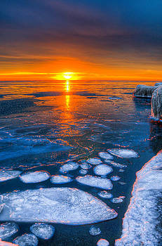 Sunrise Chicago Lake Michigan 1-30-14 04 by Michael  Bennett