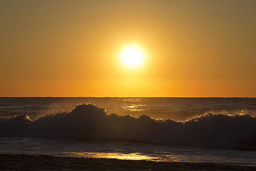 Sunrise Comes In Waves by Phil Mancuso