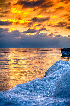 Sunrise Lake Michigan North of Chicago 12-15-13 001  by Michael  Bennett
