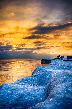 Sunrise Lake Michigan North of Chicago 12-15-13 002  by Michael  Bennett