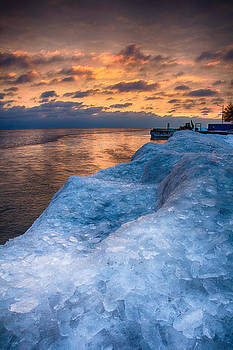Sunrise Lake Michigan North of Chicago 12-15-13 003 by Michael  Bennett