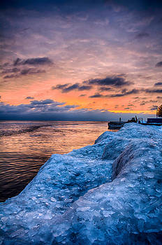 Sunrise Lake Michigan North of Chicago 12-15-13 004 by Michael  Bennett