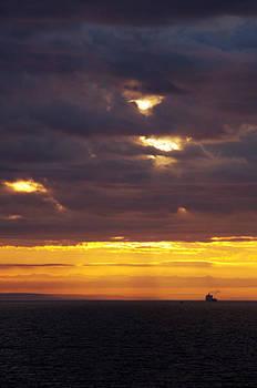 Marilyn Wilson - Sunrise on the Ocean