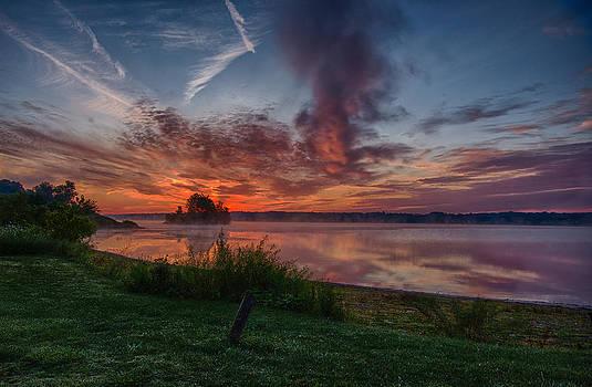 Sunrise over La Due by David Pilasky