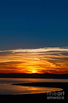 Jamie Pham - Sunrise over Mono Lake in California Abstract.
