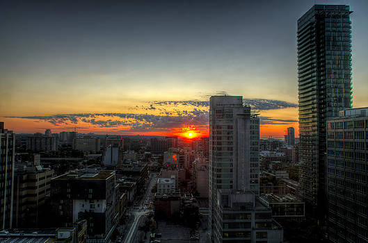 Ross G Strachan - Sunrise over Toronto